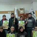 Solidaritat dels Joves d'Urnieta ( Euskal Herria ) amb els Bastoners Solidaris de la Vila de Gràcia.